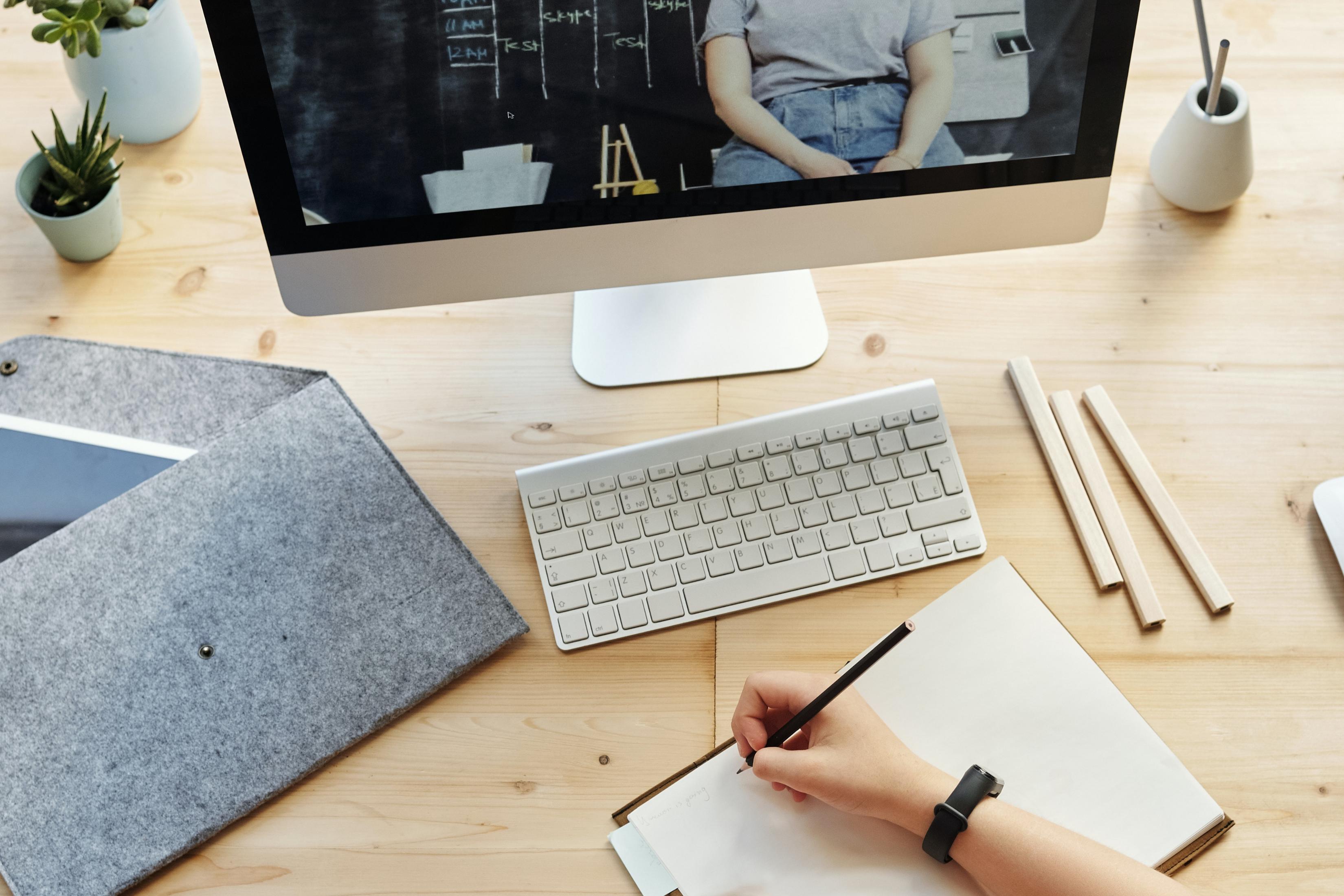 Formação de E-Formadores: Inicial ou Avançada?